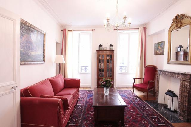 PerfectlyParis Magnifique Monceau sleeps 4